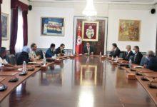 Photo of رئيس الحكومة يشرف على جلسة عمل مع ممثلي الشعب عن ولاية قبلي
